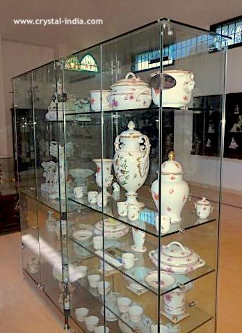 Revi Karunakaran Memorial Museum – Glass Shelf